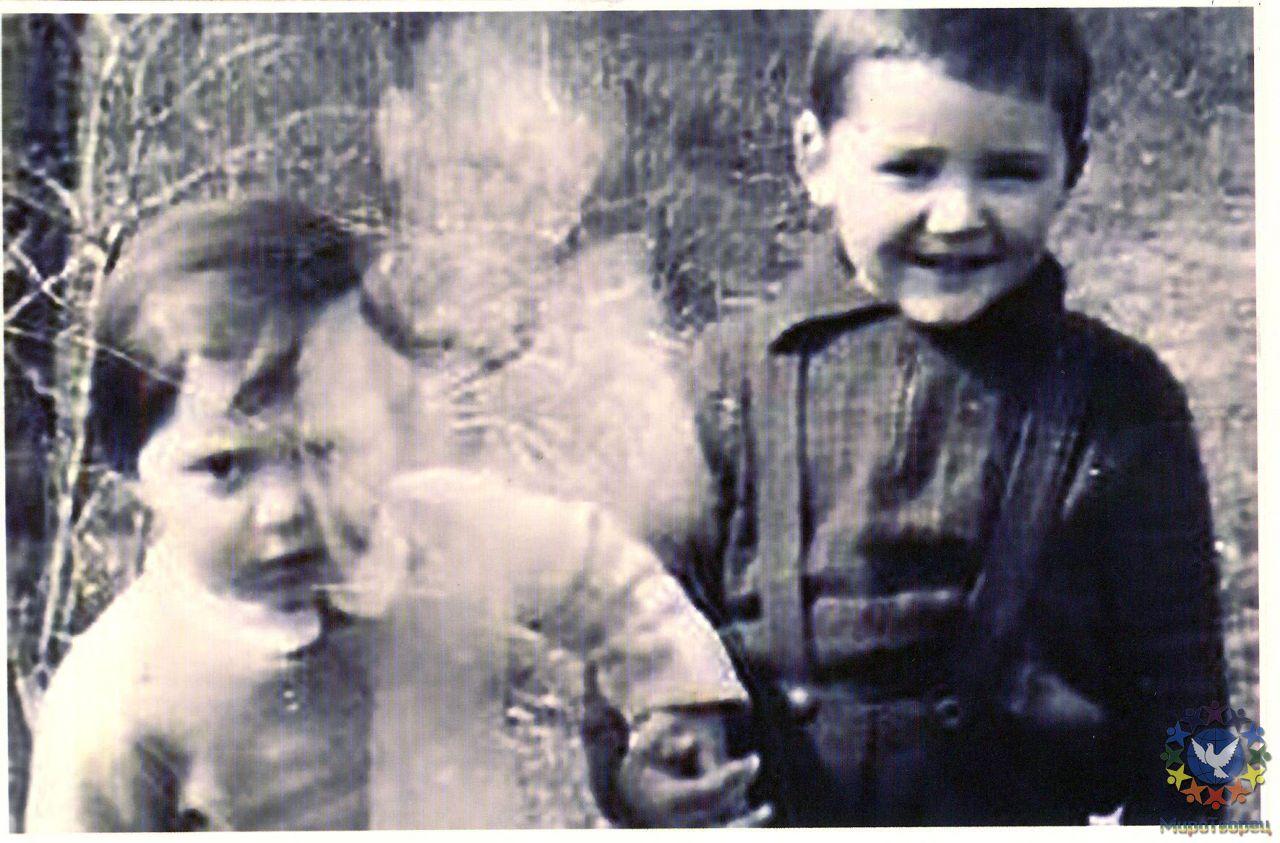 Дети звезд в платьях мальчики фото